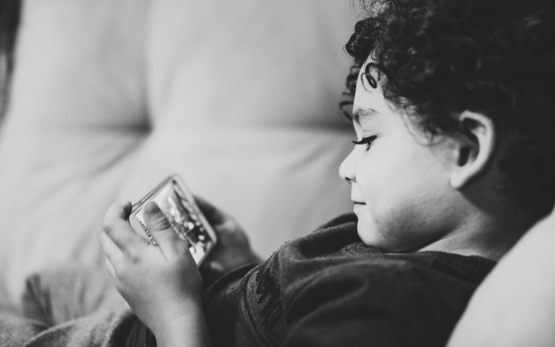 Apps Parents Must Watch Out On Kids' Smartphones